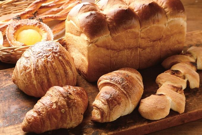 薩来園運営のパン屋、マリーベーカリーの焼き立てパン