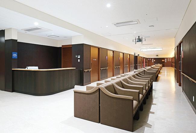 前原総合医療病院1階待合ホール