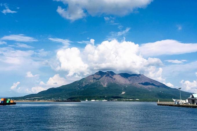 本港新町 ドルフィンポート跡地からの桜島