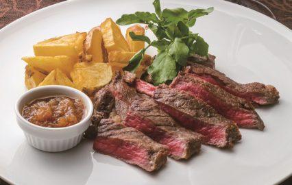 牛肉のステーキすりおろしオニオンソース
