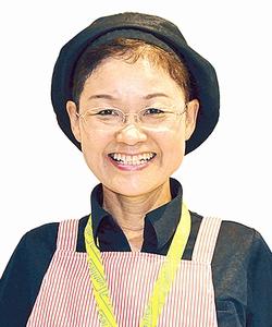 鹿児島中央駅みやげ横丁店スタッフ後藤昭子さん