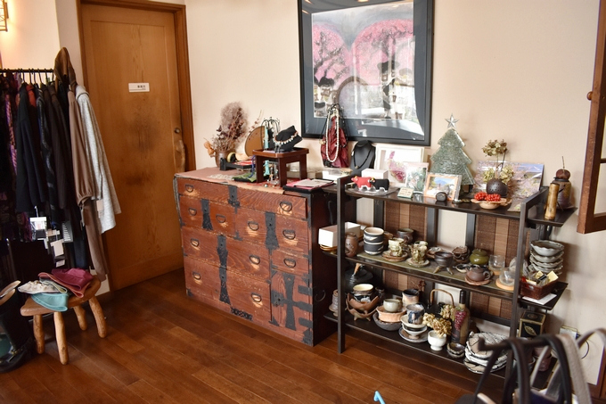 茶房ギャラリー 茶らら「陶器の器や小物の販売」