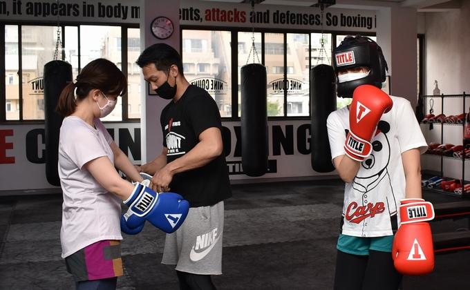 ナインカウントボクシング&フィットネスで副編集長・牛 vs ライター歌