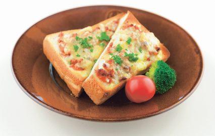 かつお三昧のピザ風トースト