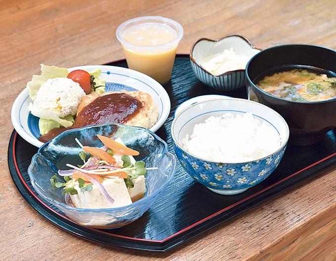 のぶちゃんもめん豆腐「豆腐ハンバーグ定食」