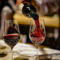 麗しのワインの世界へようこそ。今夜はオトナっぽく酔ってみたい…